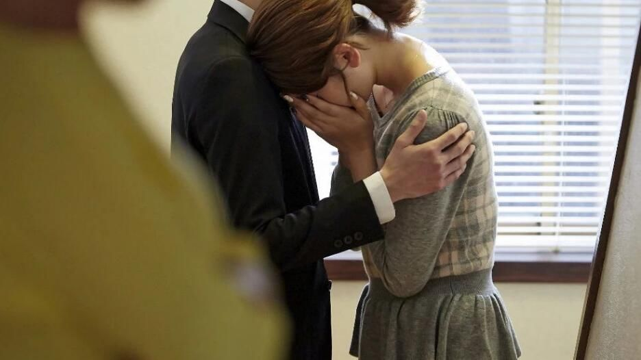 夫妻接连患癌,老婆崩溃痛哭!这个恶习,真的会毁了全家身体