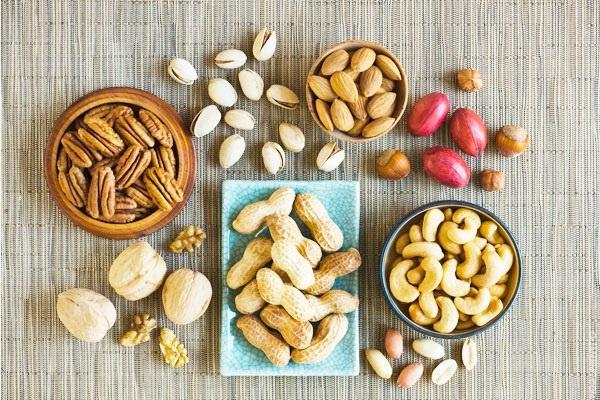 """""""春节""""适合吃哪些坚果?怎么吃?吃多少?一篇文章告诉你"""